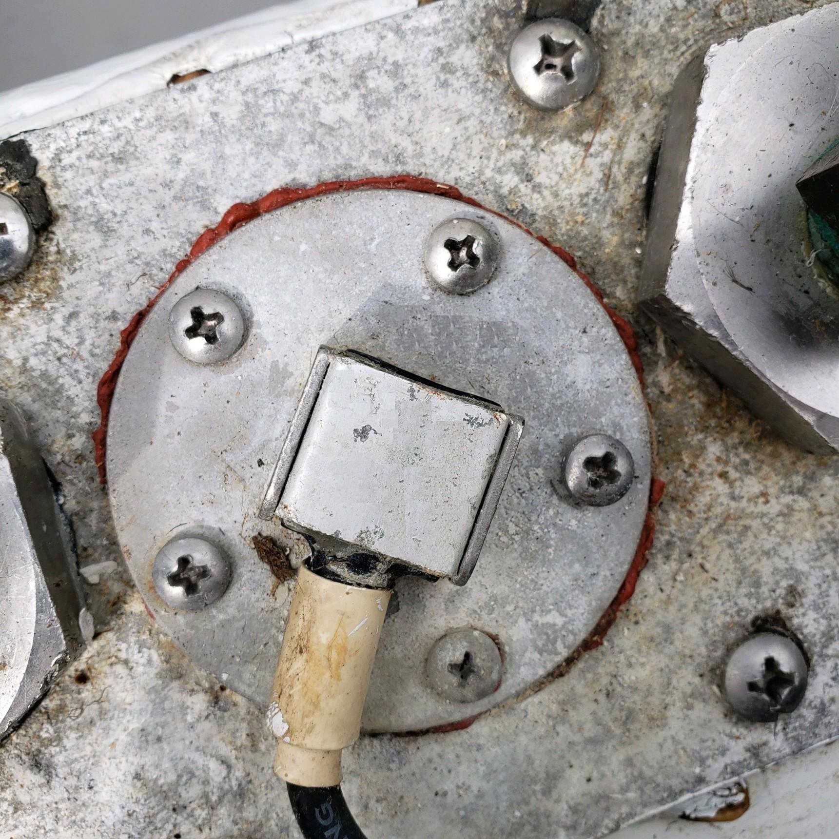 Fuel Level Sending Unit Integrated Into Tank